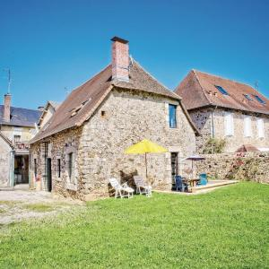 Hotel Pictures: Holiday Home Maud - 01, La Porcherie
