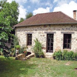 Hotel Pictures: Holiday Home Le Puy de Bar - 09, Château-Chervix