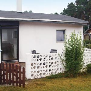 Hotel Pictures: Holiday home Am Brombeerstrauch P, Bellin