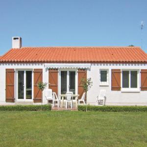 Hotel Pictures: Holiday home Av. Des Goelands, Saint-Vincent-sur-Jard