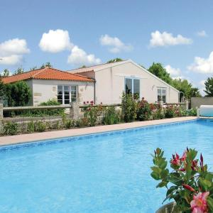 Hotel Pictures: Holiday Home Le Riquet, Grues