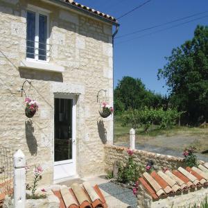 Hotel Pictures: Holiday Home St. Sigismond Rue Du Louche Du Four, Le Mazeau