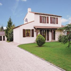 Hotel Pictures: Holiday Home St.Christophe Du Ligne Rue Du Stade, Saint-Christophe-du-Ligneron