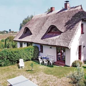 Hotel Pictures: Holiday home Sylvin Q, Neuenkirchen auf Rugen