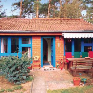 Hotel Pictures: Two-Bedroom Holiday home Biendorf with a Fireplace 04, Biendorf