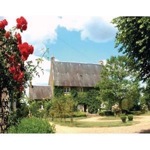 Hotel Pictures: Holiday home Route de la Borde aux Moines, La Chartre-sur-le-Loir