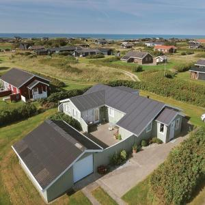 Zdjęcia hotelu: Three-Bedroom Holiday Home in Lokken, Løkken