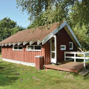 Hotel Pictures: Holiday home Engvej I, Hou