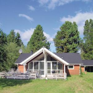 Hotel Pictures: Holiday home Asaa 34 with Hot tub, Aså