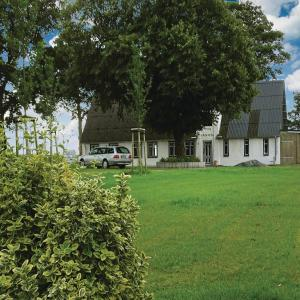 Hotelbilleder: Three-Bedroom Holiday Home in Weesby, Weesby