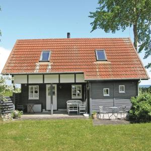 Hotel Pictures: Holiday Home Tranekær with a Fireplace 02, Hoborg