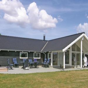 Hotel Pictures: Holiday home Fiskekrogen Stege XI, Stege