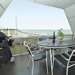 Hotel Pictures: Three-Bedroom Apartment Karrebæksminde with Sea View 03, Karrebæksminde