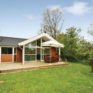 Hotel Pictures: Two-Bedroom Holiday Home in Faxe Ladeplads, Fakse Ladeplads