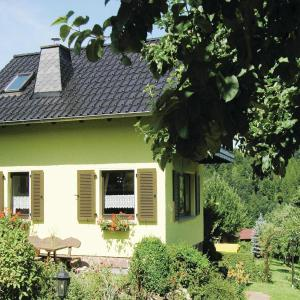 Hotel Pictures: One-Bedroom Holiday home Brotterode-Trusetal with Mountain View 01, Trusetal