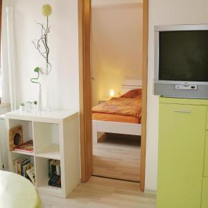 Hotel Pictures: One-Bedroom Apartment in Nahetal-Waldau, Hinternah