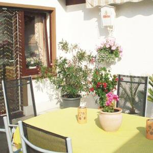 Hotel Pictures: Studio Apartment in Frankenhain, Frankenhain