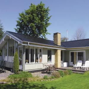Hotel Pictures: Holiday home Polluxvej, Voldby