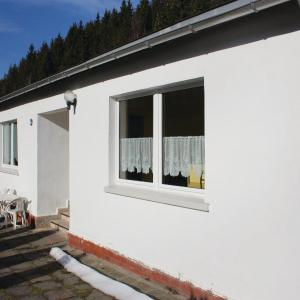 Hotel Pictures: Three-Bedroom Holiday Home in Lichte, Lichte