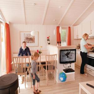 Hotelbilleder: Holiday home Marco Polo / Skarridsö M, Köthen