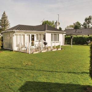 Hotel Pictures: Three-Bedroom Holiday Home in Otterup, Otterup