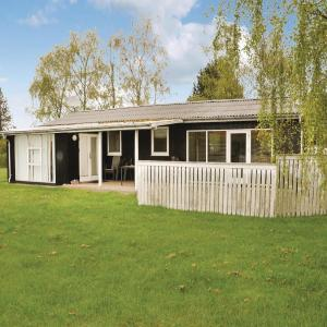 Hotel Pictures: Four-Bedroom Holiday Home in Otterup, Otterup