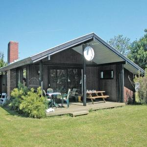 Hotel Pictures: Holiday home Haarby 9, Brydegård