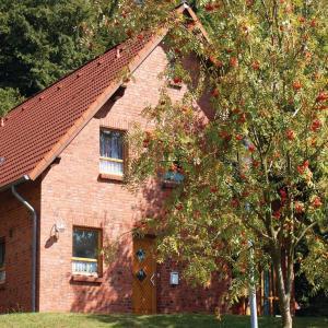 Hotel Pictures: Studio Holiday Home in Nieheim, Nieheim