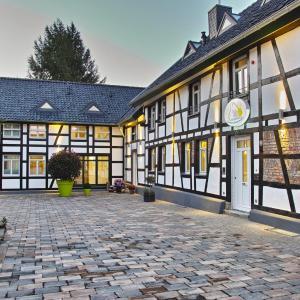 Hotel Pictures: Kragemann Hotel & Vinothek, Simmerath