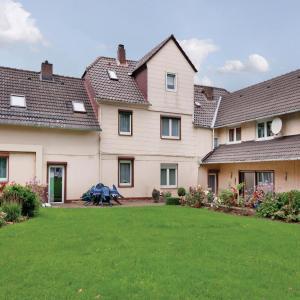 Hotel Pictures: Three-Bedroom Apartment Fürstenberg/Weser with a Fireplace 02, Derental