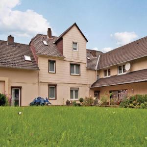 Hotelbilleder: Three-Bedroom Apartment Fürstenberg/Weser 0 03, Derental