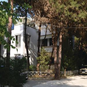 Фотографии отеля: Apartment Fshatrave 03, Голем