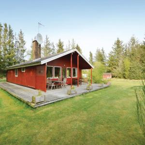 Hotel Pictures: Four-Bedroom Holiday Home in Frostrup, Frøstrup
