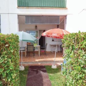Hotel Pictures: Two-Bedroom Apartment in Roldan, Roldán