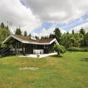 Hotel Pictures: Three-Bedroom Holiday home Fjerritslev with a Fireplace 087, Fjerritslev