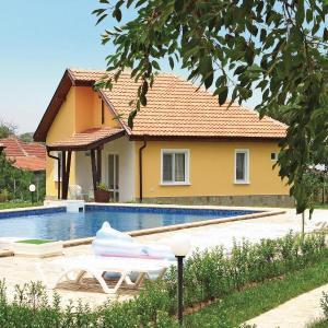 Фотографии отеля: Holiday home Bryastovec Sunny Hills Villas, Bryastovets