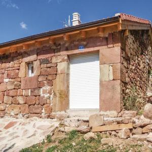 Hotel Pictures: One-Bedroom Holiday Home in Tanabueyes, Tañabueyes
