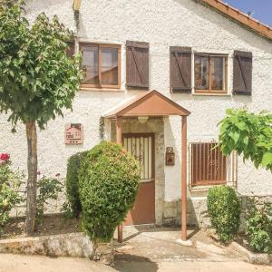 Hotel Pictures: Two-Bedroom Holiday Home in Aldeanue. de la Sierra, Aldeanueva de la Sierra