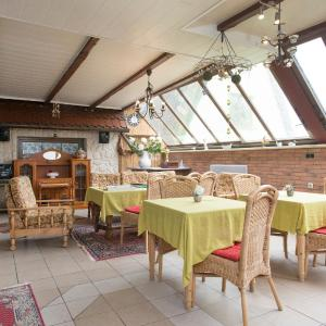 Hotel Pictures: Pension Deichgraf Middelhagen, Middelhagen