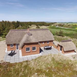 Hotel Pictures: Three-Bedroom Holiday Home in Ulfborg, Vedersø Klit