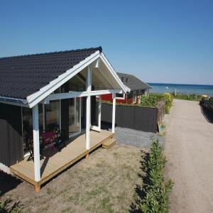 Hotel Pictures: Holiday Home Sjolund with Sea View I, Binderup Strand