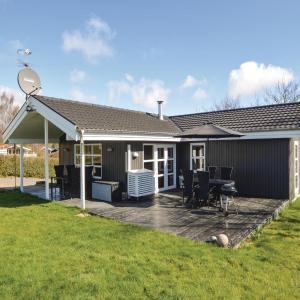 酒店图片: Five-Bedroom Holiday Home in Hejls, Hejls