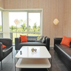 Hotel Pictures: Four-Bedroom Holiday home with a Fireplace in Haderslev, Årøsund