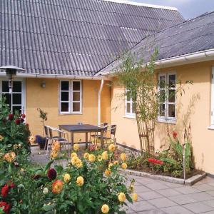 Hotel Pictures: Apartment Rodelundvej, Svejbæk