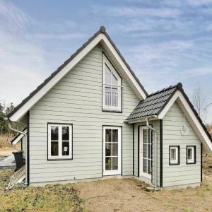 Hotel Pictures: Holiday home Skovbrynet Give X, Give