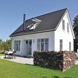 Hotel Pictures: Holiday home Varnæshoved Aabenraa, Ornum