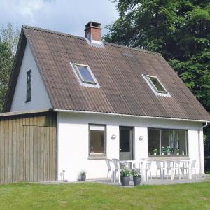 Hotel Pictures: Holiday home Nørskov, Ornum