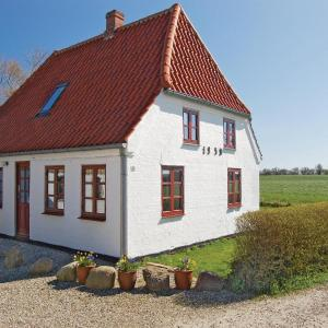 Hotel Pictures: Two-Bedroom Holiday home Sydals with a Fireplace 03, Vollerup