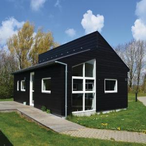 Hotel Pictures: Holiday home Halvejen hytte Spjald II, Spjald