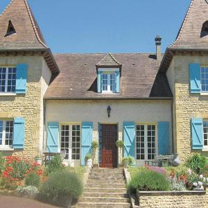 Hotel Pictures: Holiday home Les Champagnes Est, Saint-Rabier